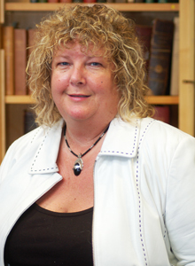 A portrait image of Jacqui Molyneux