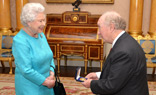 queen-bestows-first-ever-rcvs-queens-medal-at-buckingham-palace