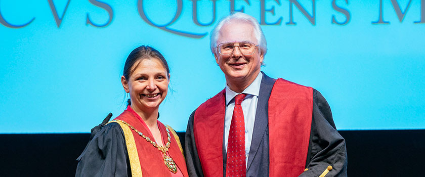 Professor the Lord Trees receiving the The Queen's Medal from RCVS President Amanda Boag